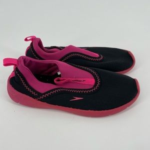 Speedo kids pink water shoes size small